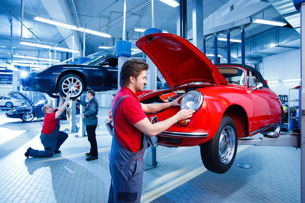 Porsche-Solingen-20120131-1408.jpg