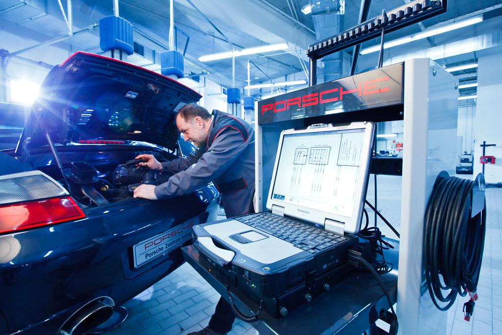 Porsche-Solingen-20120131-1436.jpg