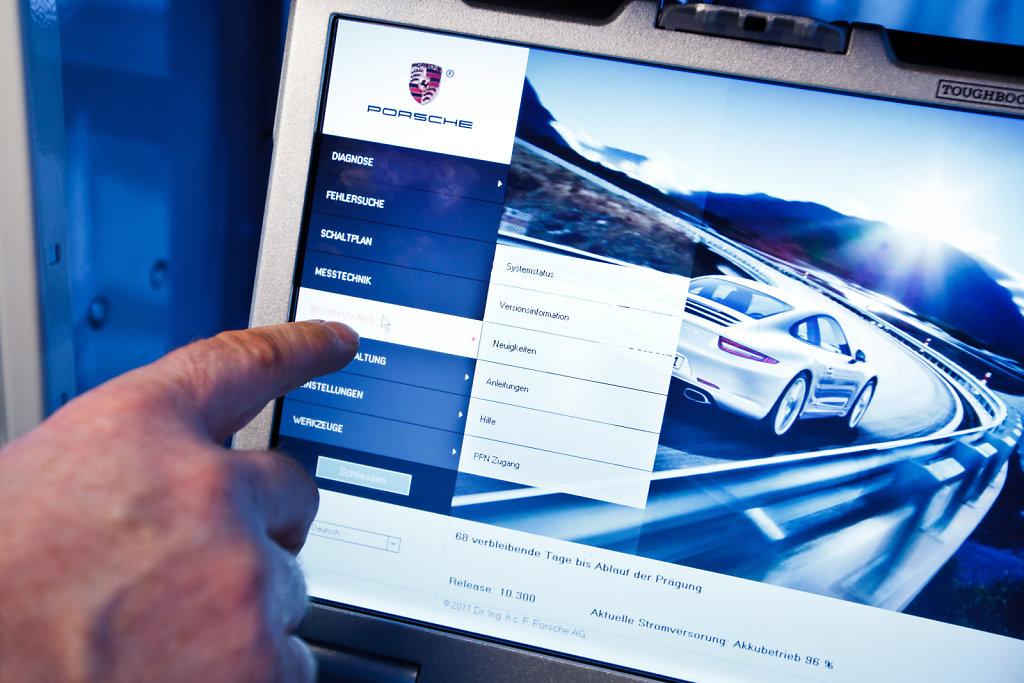 Porsche-Solingen-20120131-1444.jpg