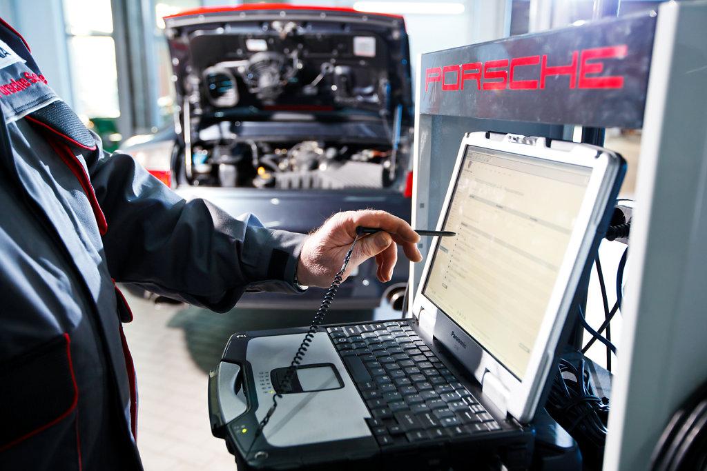 Porsche-Solingen-20120131-1465.jpg